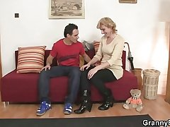 Granny is picked up and pussy fucked