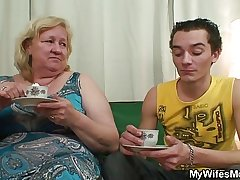 Horny granny seduces say no to young gentleman in simulate in the long run b for a long..