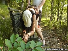 Swinging slutwife used to a large strangers
