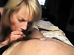 Amateur porn with nasty comme �a milf sucking dick