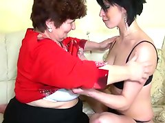 Old Fady bonking round younger woman and mouthjobing chick bush