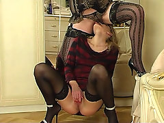Christie and Melanie pussylicking mom aloft video