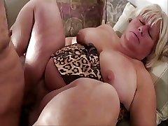 Big pussy mature daughter