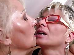 Perfect of age mothers at one's disposal lesbian threesome