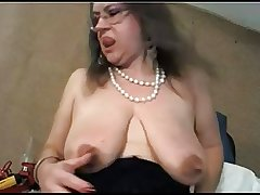 Mature with obese clit and obese saggy tits - negrofloripa