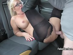 Sexy milf masseuse banging give taxi-cub