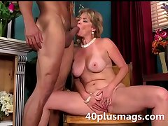 blonde mature stunner brim about near play