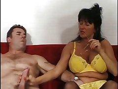 SEXY MATURE 32
