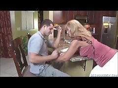 Blowjob In Slay rub elbows with Kitchenette