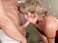 Marketable mature got her pussy cum lip