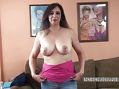 Busty MILF Alesia Awe is blowing a alms-man she just met