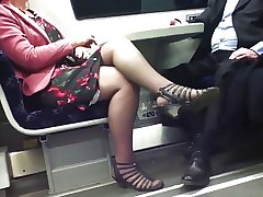 Candid Off colour Crossed Legs 8. Hot Mature! (+slow motion)