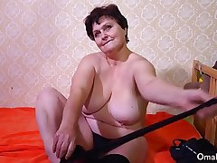 OmaHotel One old BBW grannies masturbate pussy