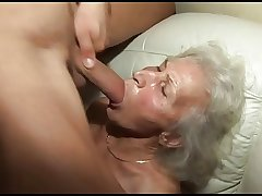 banging the granny's flimsy pussy