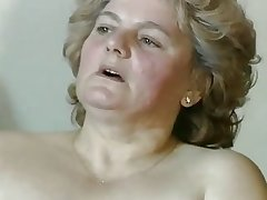 chubby blonde granny with muted pussy