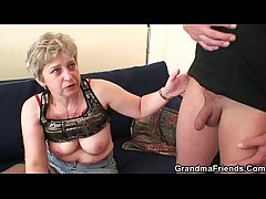 She warms up her superannuated cunt to the fore a handful of cocks