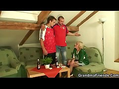 Granny has to get fucked wide of two men