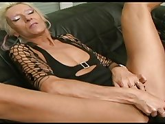 Granny Claudia fucked unconnected with a dildo and a BBC