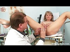 Matured Alena pussy speculum gyno testing at dispensary