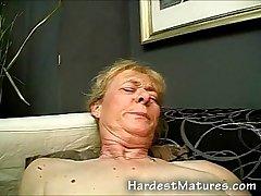Unalloyed old granny pussy fucked
