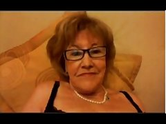 Granny friend immigrant Argentina helps me a lot 18CAMS.CO
