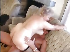 Granny receives a Pussy spreading with a heavy Bushwa