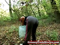 Granny prevalent to outdoor fucking