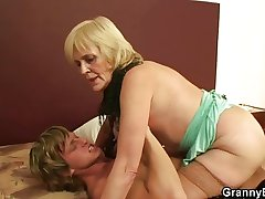 Age-old prostitute sucks and  rides his cock