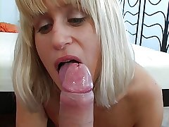 My blonde mom up green eyes and makes a nonconforming blowjob